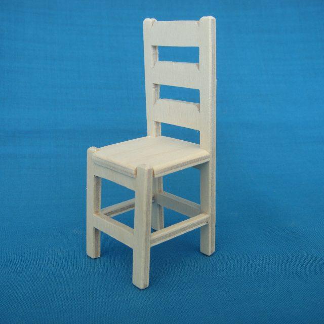 poppenhuis stoeltje: STRANG € 4,00