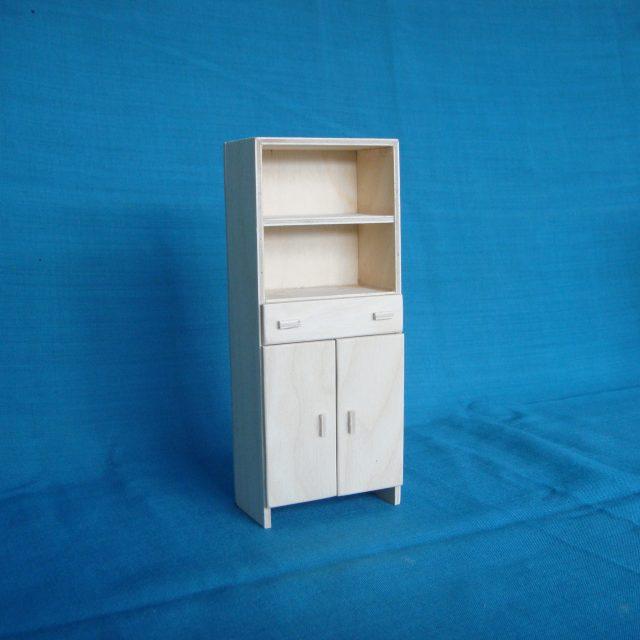 poppenhuis 2-deurs garderobekast met legbord en lade: STRANG € 10,00