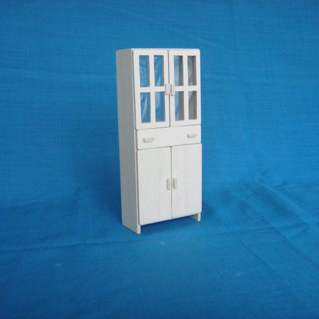 """poppenhuis  kast met 2 """"glazen"""" deuren,lade en 2 houten deuren: STRANG € 10,00"""